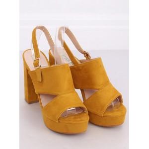 Moderní dámské sandály na platformě ve žluté barvě