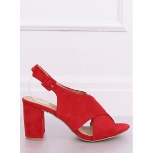 Moderní dámské sandály na nízkém podpatku v červené barvě