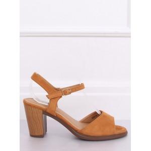 Letní semišové dámské sandály na podpatku