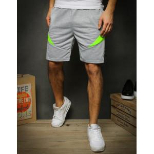 Sportovní pánské sivé kraťasy doplněné neonovou barvou