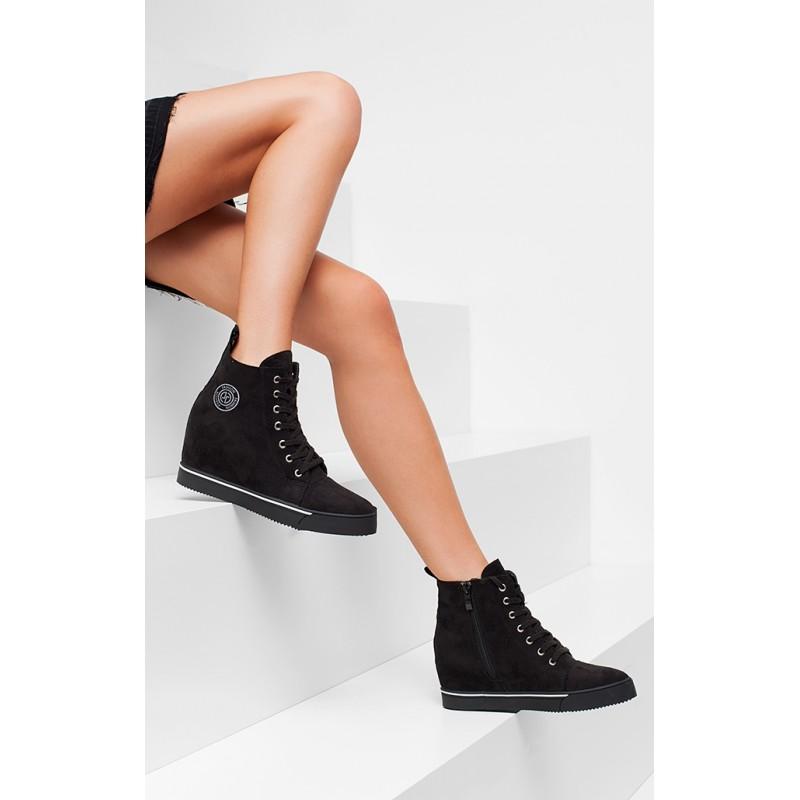 fdcabede105f ... obuv Vysoké dámské tenisky černé barvy na platformě. Předchozí