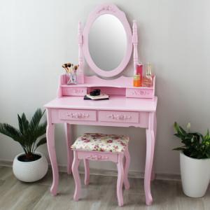 Moderní toaletní stolek pro dámy v růžové barvě
