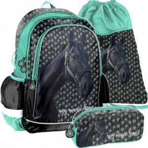 Školní taška mentolové barvy v třídílné sadě s motivem koně