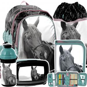 Trendy 5-dílná školní set s koníkem