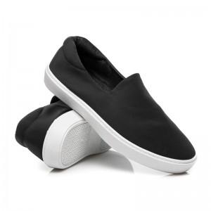 Klasická černá dámská obuv pro volný čas