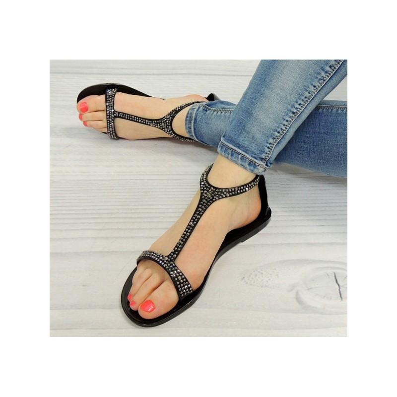 8cc08ff62d75 Trendy dámské sandály černé barvy s korálky - manozo.cz