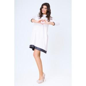 Elegantní těhotenské šaty v bílé barvě s černým pásem
