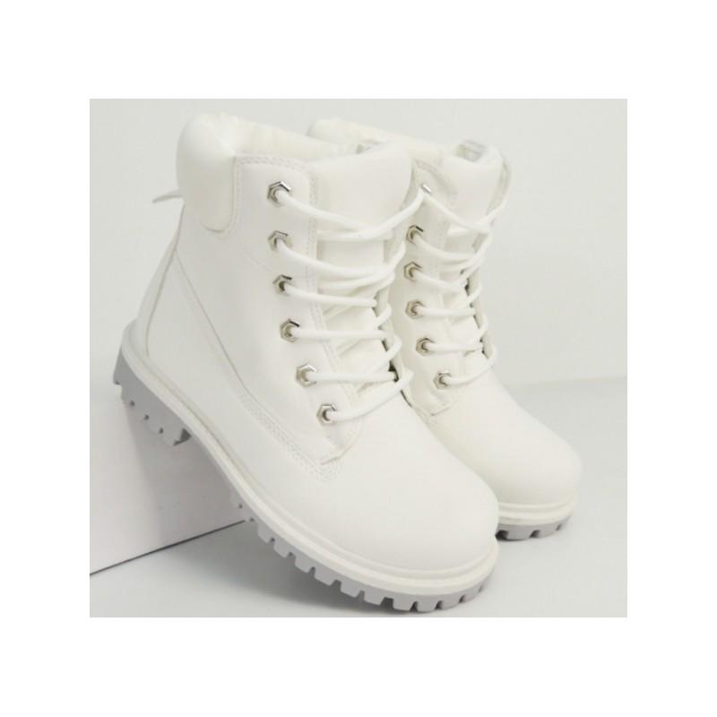 Dámské boty workery v bílé barvě na nízkém podpatku - manozo.cz 6df134e37b