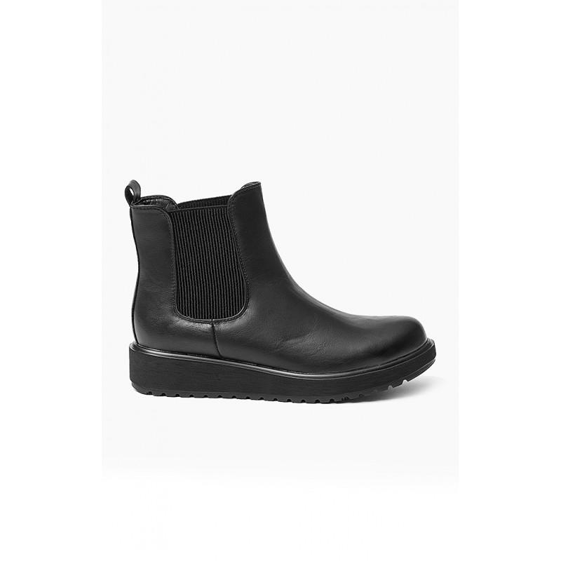 Jarní dámské kotníkové boty na platformě v černé barvě - manozo.cz e92935b26e