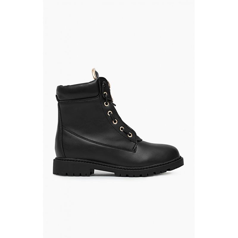 Dámské boty workery v černé barvě se zlatým doplňkem - manozo.cz 68756f57bc