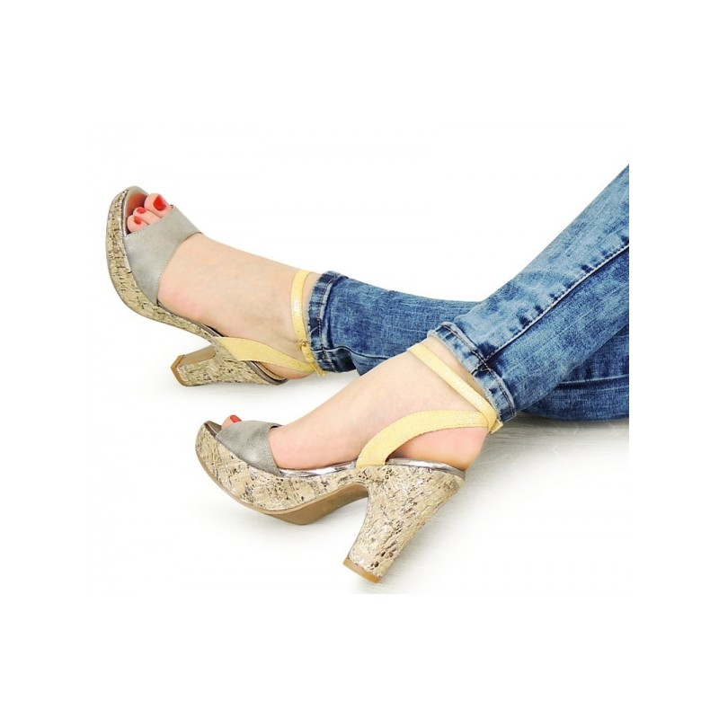 Dámské letní sandály na podpatku stříbrno žluté - manozo.cz c714fb04e5