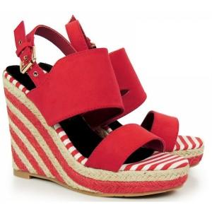 Červené dámské sandály na platformě s otevřenou špičkou a patou