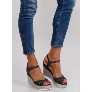 Sandály na platformě v černé barvě