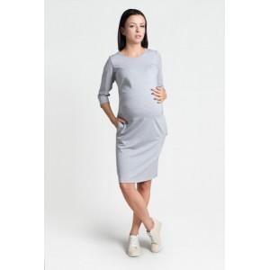 Světle šedé šaty pro těhotné s kapsami a tříčtvrtečním rukávem