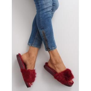 Chlupaté červené nazouváky pro dámy