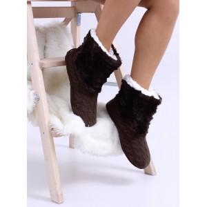 Zateplené dámské pantofle v hnědé barvě