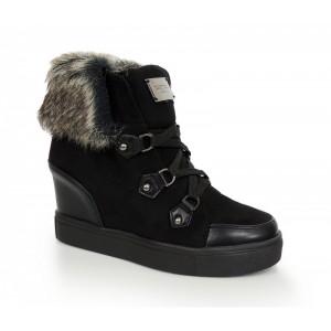Černé dámské boty s kožešinou
