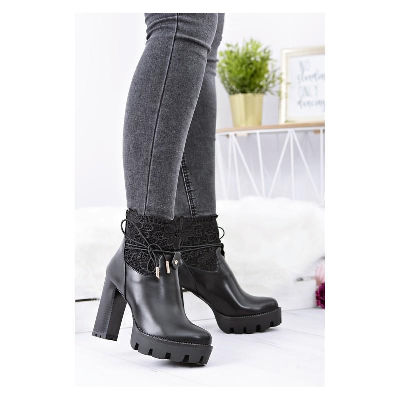 ecf1a3b436d ... obuv Černá dámská zimní obuv na platformě. Předchozí