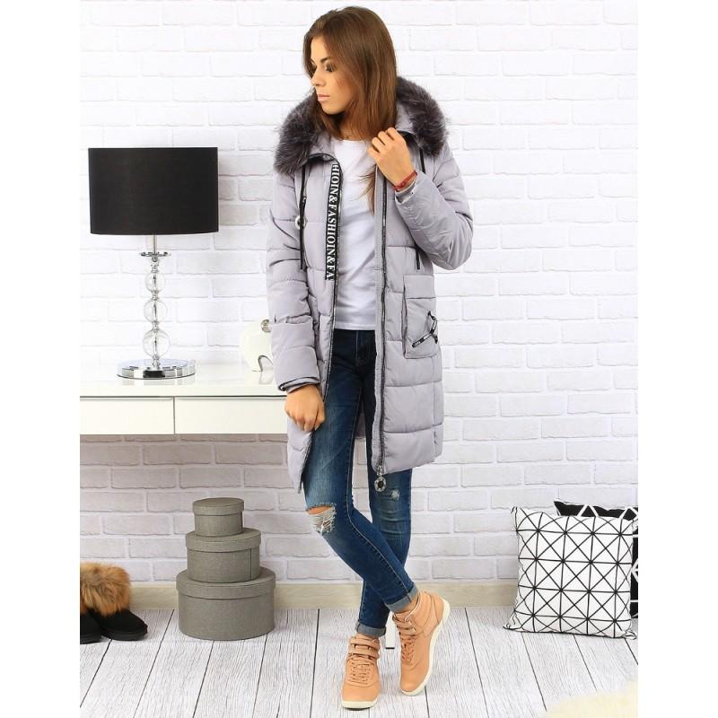 5d71b8ae48bb Dlouhá šedá dámská prošívaná bunda na zimu s kapucí a kapsami ...