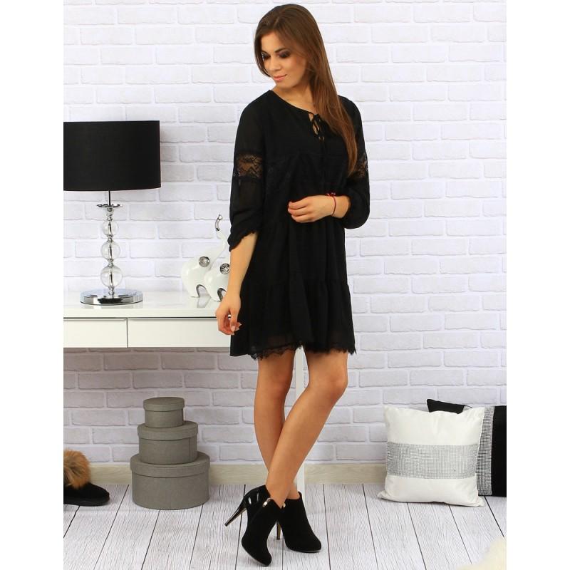e9b57d8e3eaa Předchozí. Elegantní dámské volné šaty nad kolena s krajkou na rukávech v  černé barvě · Elegantní dámské volné ...