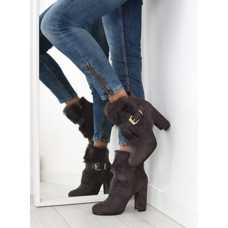 62afd9cf2 Dámské elegantní zateplené zimní boty v šedé barvě na vysokém ...
