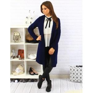 Dámský elegantní prodloužený zimní kabát v modré barvě s kapsami a zapínáním na knoflík