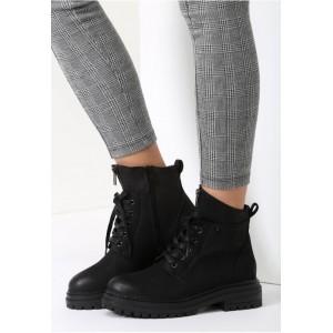 Černé dámské zateplené boty na zimu s tlustou podrážkou a šněrováním