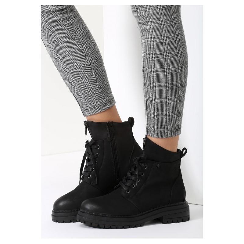 ... obuv Černé dámské zateplené boty na zimu s tlustou podrážkou a  šněrováním. Předchozí 3bf775a28d7