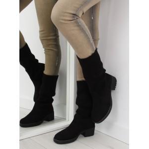 Elegantní dámské zimní boty černé barvy na hrubém podpatku