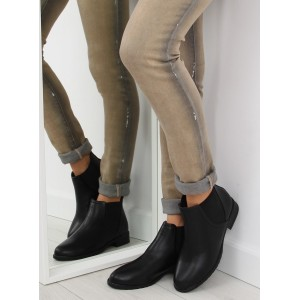 Pohodlná černá dámská kotníková obuv na nízkém podpatku