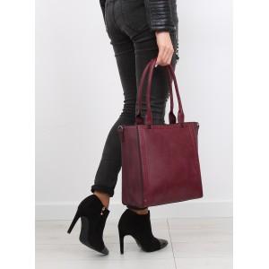 Moderní dámské kabelky na rameno v bordó barvě vhodné na každý den