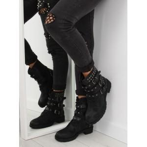 Černé vybíjené dámské boty na zimu s nízkým podpatkem a přezkami