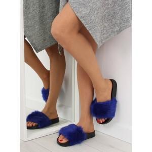 Dámske teplé nazouváky s kožešinou tmavě modré barvy na letní období