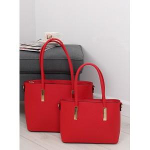 set dámských kabelek do ruky v červené barvě