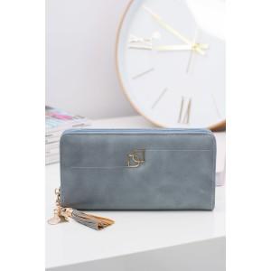 Prostorná dámská peněženka modré barvy se zapínáním na zip