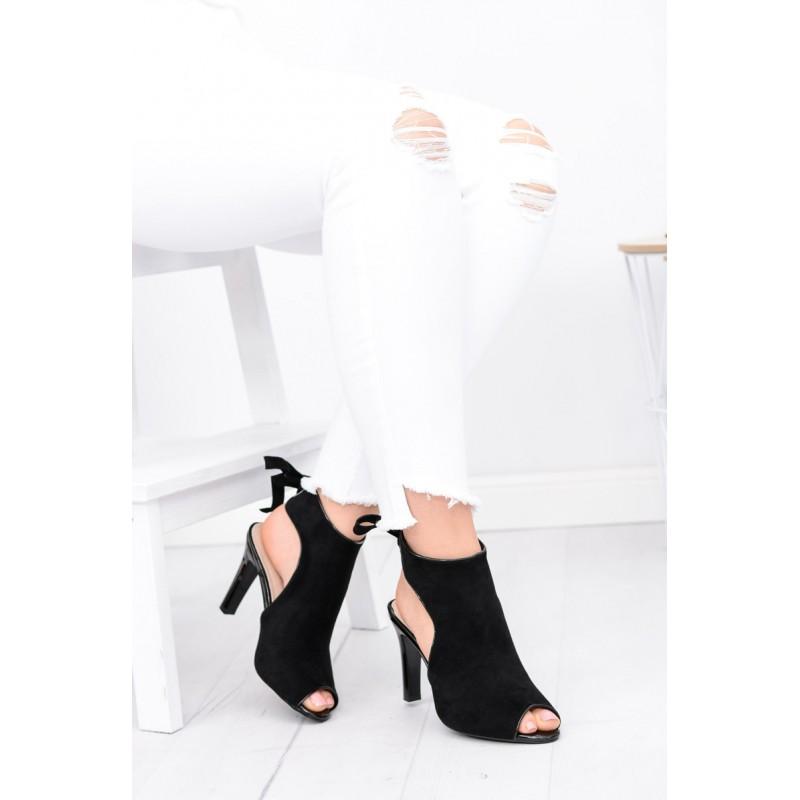Černá dámská obuv s vysokým podpatkem a otevřenou špičkou - manozo.cz 9809758c2b