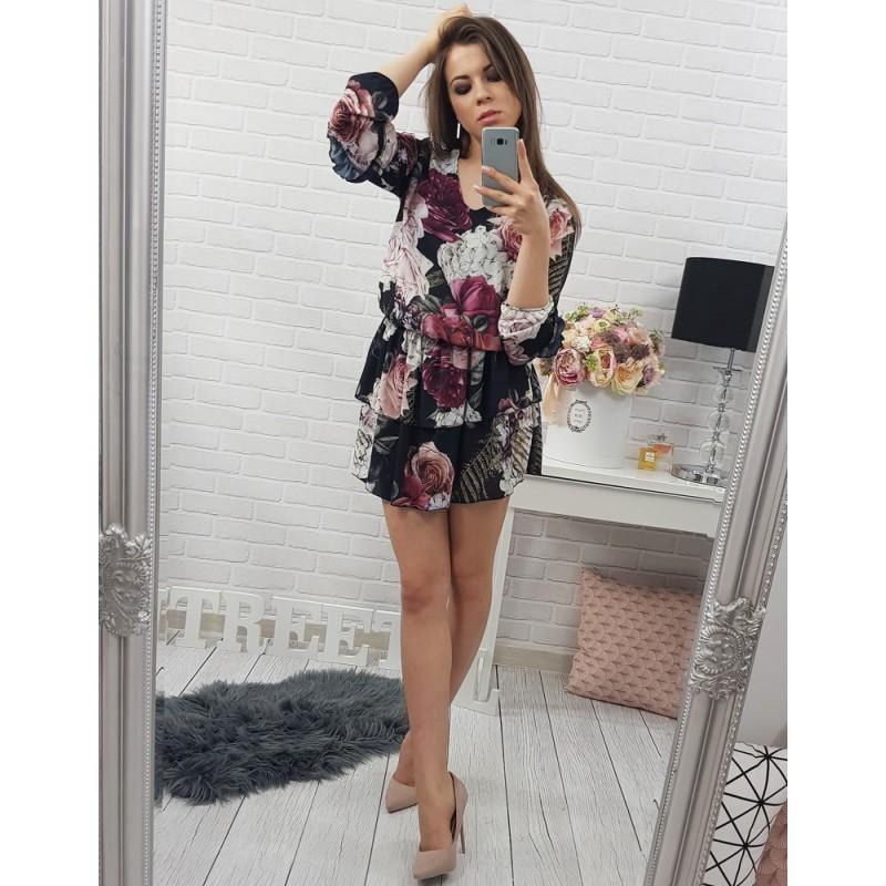Černé dámské květované šaty nad kolena s výstřihem do V - manozo.cz c9f1f0635d0