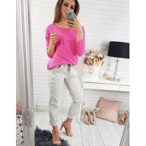 Moderní dámská halenka sytě růžové barvy s dlouhými rukávy pro volný čas