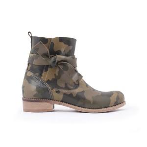 Dámské kotníkové kožené boty v army motivu