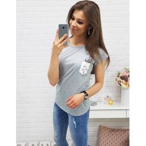 Jednobarevná trička šedé barvy s náprsní kapsou