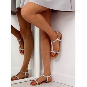 Stříbrné sandály na rovné podrážce