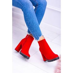 Kotníkové boty na podpatku v červené barvě