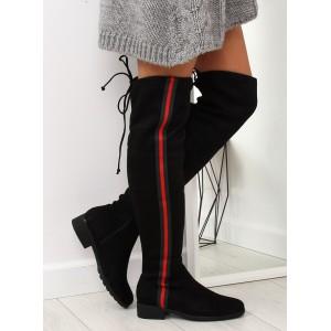 Sportovní dámské kozačky nad kolena na nízkém podpatku s aplikací