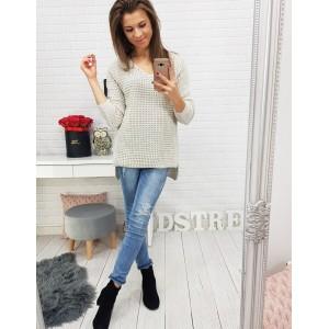 Pletený dámský béžový svetr se vzorem rytířského brnění
