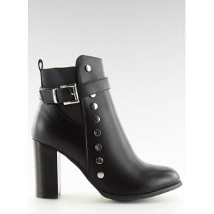 Černé kotníkové kozačky na vysokém podpatku s módním designem