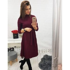 Vínové dámské šaty s tři čtvrťovou rukávem