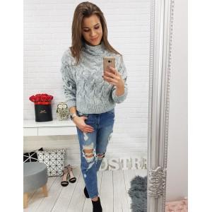 Šedý pletený dámský svetr nad pás s rolákem a trendy vzorem