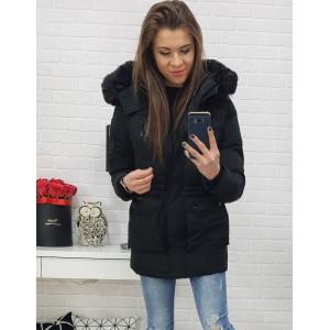 Černá dámská prošívaná zimní bunda s trendy kapsami na druky a zip