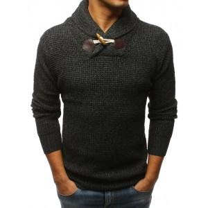 Stylový černý pánský svetr se zapínáním na jeden dřevěný knoflík