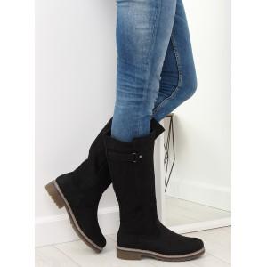 Černé dámské kozačky pod kolena s designovou přezkou